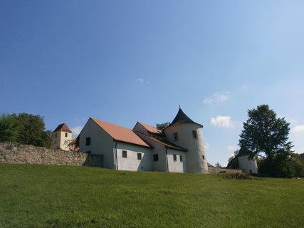 FOTKA - tvrz Žumberk
