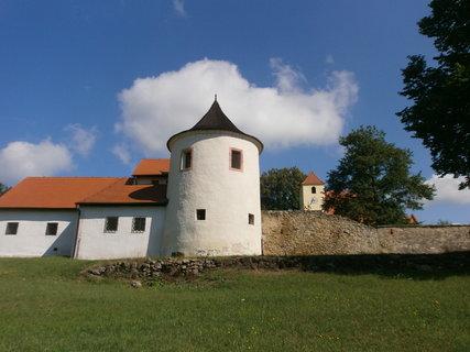 FOTKA - věž v mráčku