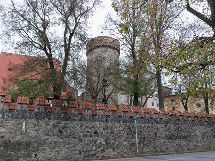 FOTKA - hrad Kotnov za zdí