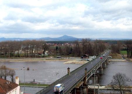FOTKA - Most přes Labe z terasy zámku