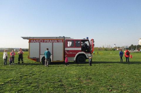 FOTKA - Dnešní den na sídlišti - hranice připravena, hasiči taky