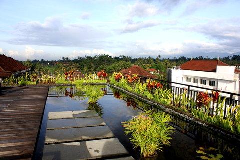 FOTKA - Pohled ze střechy hotelu