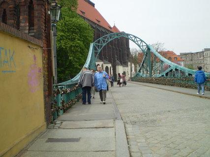 FOTKA - Most s vysacími zámky
