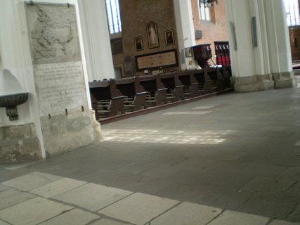 FOTKA - Uvnitř pravoslavného kostela