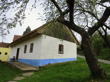 FOTKA - Komňa - obec na Uherskobrodsku-Dům zvěrokleštiče