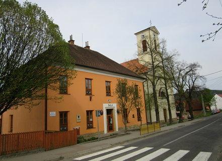 FOTKA - Komňa - obec na Uherskobrodsku- Škola