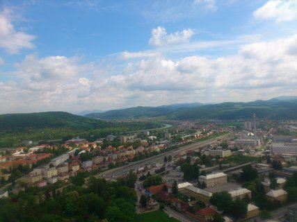 FOTKA - Trenčín - pohled na Trenčín a kopce