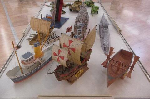 FOTKA - Výstava originálních vystřihovánek ABC :  lodě
