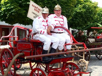 FOTKA - Udržované staré vozy hasičů