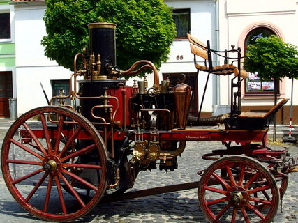 FOTKA - Krásný udržovaný hasičský parní stroj
