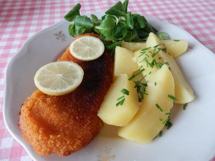 FOTKA - obalované filé, brambory