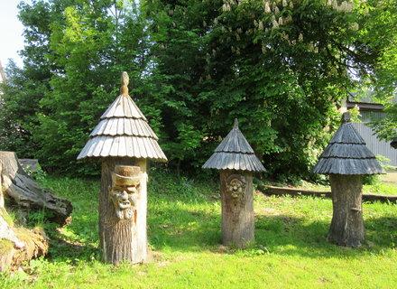 FOTKA - úly u muzea  Velké Karlovice