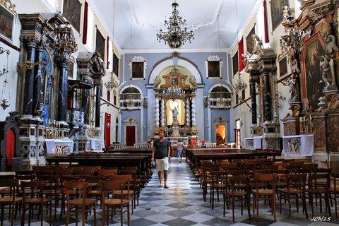 FOTKA - interier  kostela  v Dubrovníku