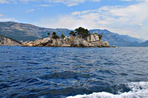 FOTKA - ostrov v moři...