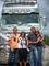 U kamionu-svatebně vyzdoben