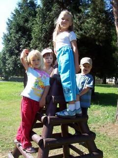 FOTKA - Děti na pyramidě
