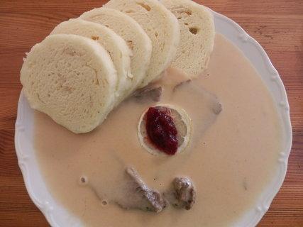 FOTKA - nebo raději svíčkovou - tradiční česká hospůdka nabídne poutníkovi pořádnou porci :-)