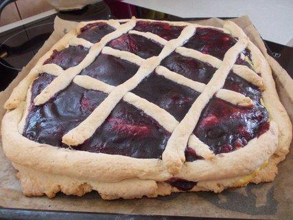 FOTKA - mříčkový koláč s tvarohem a marmeládou mojí rybízovou