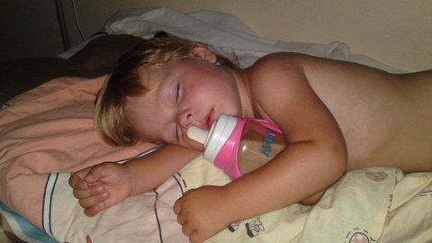 FOTKA - +bylo ji horko-usnula+
