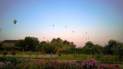 FOTKA - balóny nad mojí zahradou