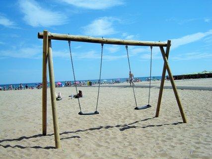 FOTKA - Houpačky na pláži