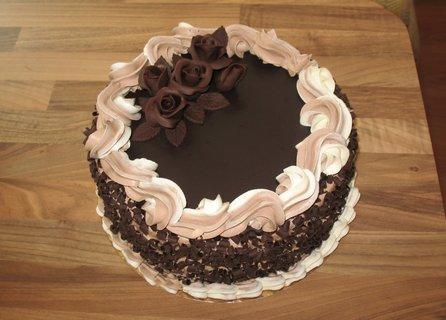 FOTKA - Čokoládový s růžičkami k narozeninám