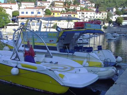 FOTKA - Menší lodě, které jezdí na panoramatické výlety