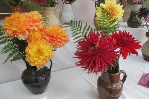FOTKA - Od roku 1962 platí nové rozdělení jiřin do deseti základních skupin podle stavby květů.