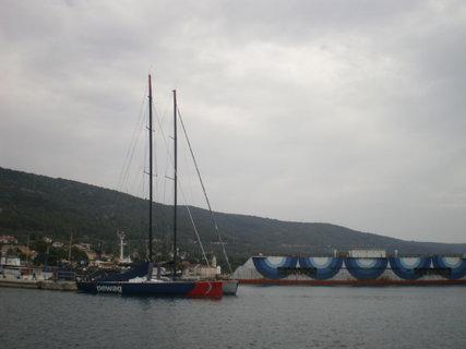 FOTKA - Opravny lodí na ostrově