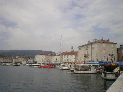 FOTKA - Rybařské lodě v přístavišti