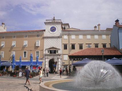 FOTKA - Stará radnice ve městě