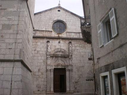 FOTKA - Kostel ve městě