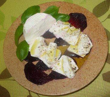 FOTKA - Kozí sýr s červenou řepou k večeři