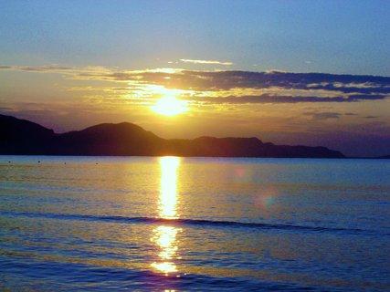 FOTKA - Slunce pozlatilo ;moře