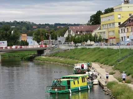 FOTKA - Září v UH u řeky Moravy