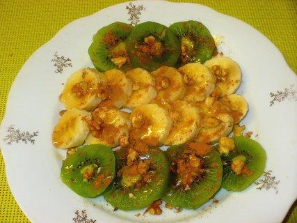 FOTKA - Ovoce s ořechy, skořicí a medem