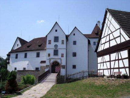 FOTKA - chodník ke hradu