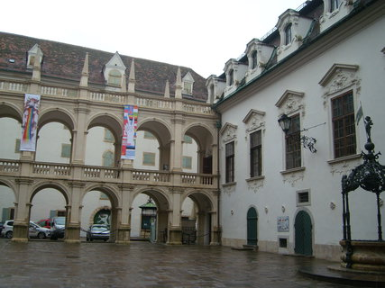 FOTKA - Graz - nádvoří zemského domu