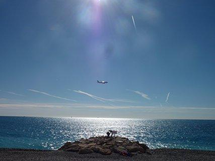FOTKA - letadlo nad mořem