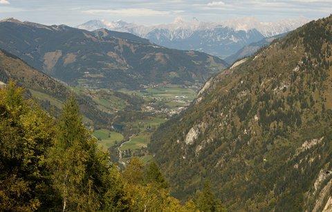FOTKA - Vysokohorské přehrady nad Kaprunem - Pohled do údolí