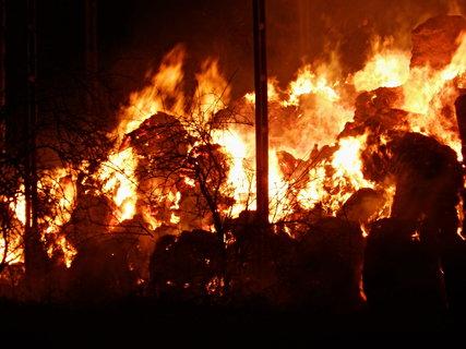 FOTKA - Šel z toho mráz po zádech i když teplota na okraji požáru byla 896°C