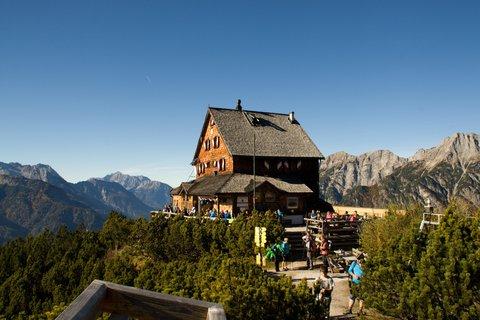 FOTKA - Výšlap k Peter-Wiechenthaler-Hütte - Peter-Wiechenthaler-Hütte poslední den otevřená před zimou