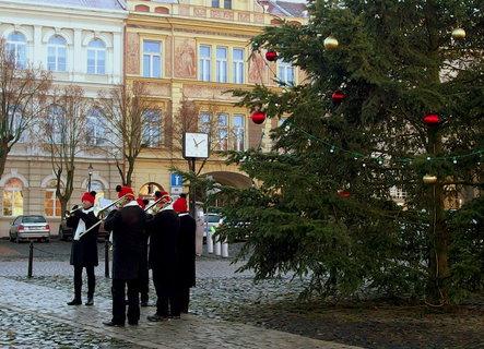 FOTKA - Vánoční koledy zpříjemnily den