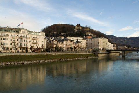 FOTKA - Adventní procházka po Salzburgu - Pohled na Kapuzinerberg