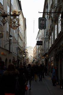FOTKA - Adventní procházka po Salzburgu - Getreidegasse