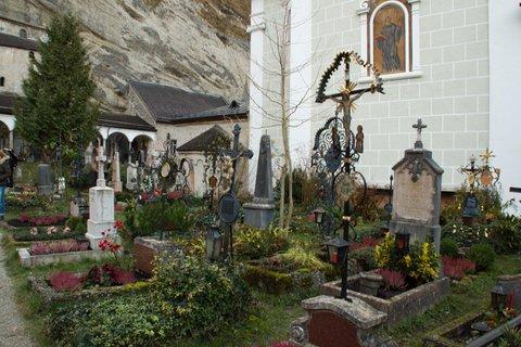 FOTKA - Adventní procházka po Salzburgu - Hřbitov sv. Petra