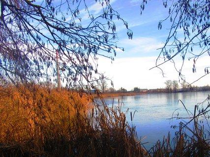 FOTKA - v Chropyni u rybníka