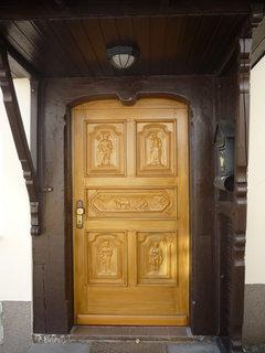 FOTKA - krásné dveře u restaurace