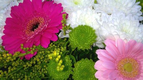 FOTKA - gerbery a chryzantémy z kytice