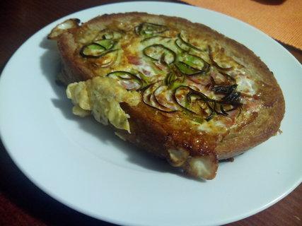 FOTKA - Chleba s vajickem a zeleninou